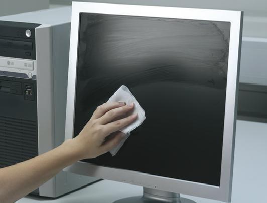 Как правильно протирать экран монитора